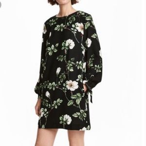 Black Floral Shift Dress LS Tie Wrist